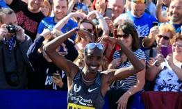 Mo Farah gana la Great North Run por tercera vez consecutiva